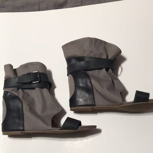 Gray ankle booties 80/20 buckle 8
